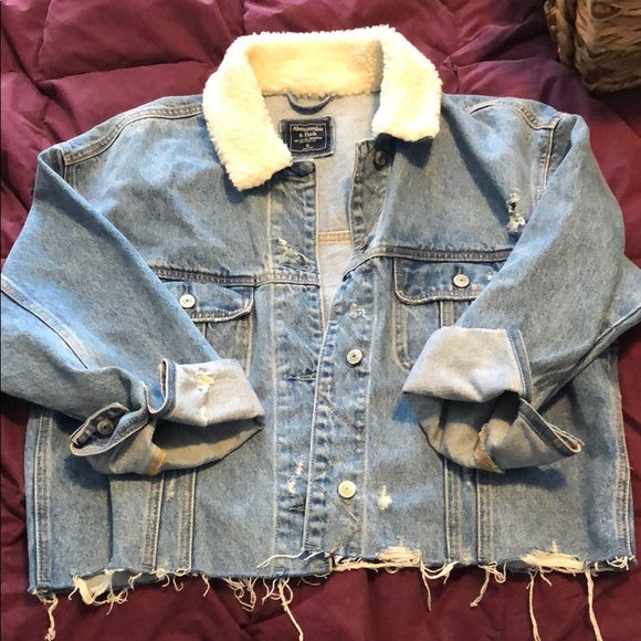 Abercrombie and Fitch Sherpa cropped Jena jacket